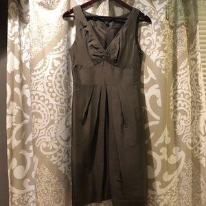 V neck cocktail dress with pockets 👍